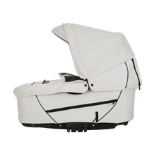 NXT90/F Supreme Carrycot 28925 Leatherette White